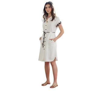 Vestido blanco con apliques en tierra de Hongo