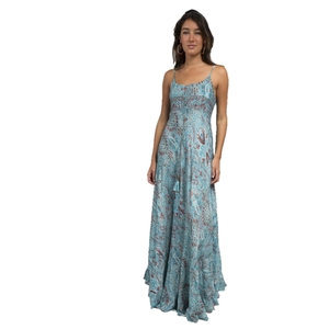 Vestido largo de tirantes ajustables en material fresco y fluido tacto seda con drapeado ajustable. Boho soul.  RO414A