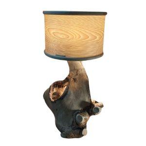 Lámpara de madera artesanal